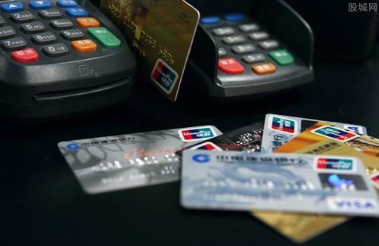 信用卡逾期,银行会直接起诉我吗?
